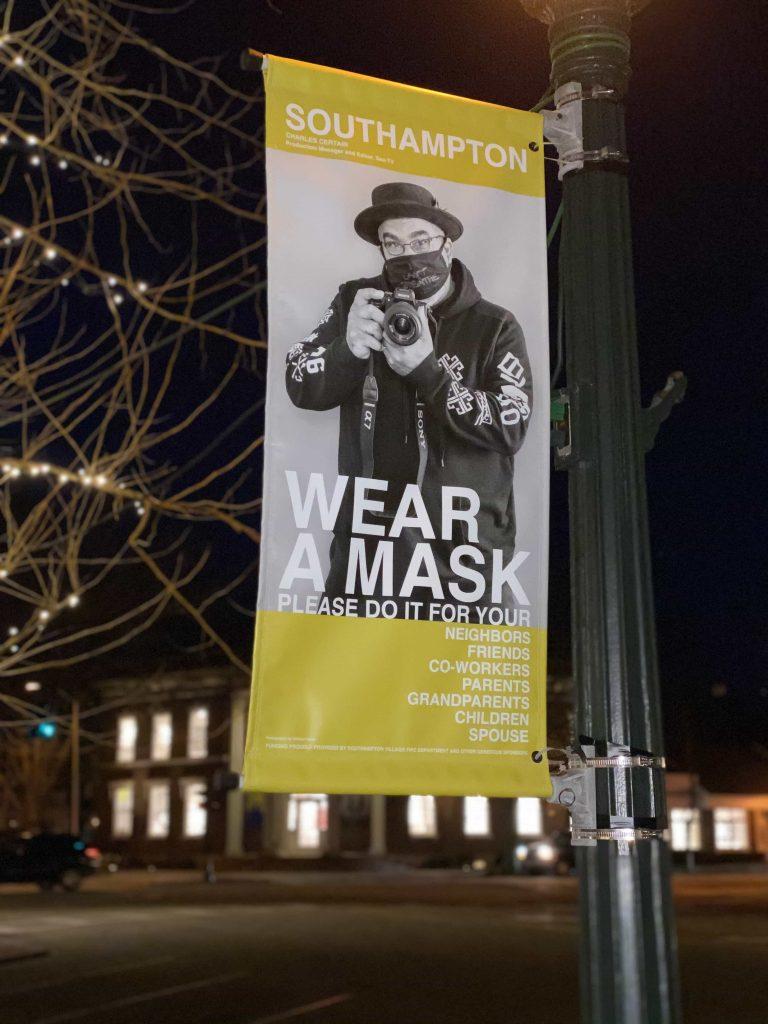 wear a mask pole banner